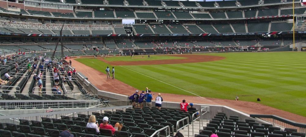 Ve el Partido de los Atlanta Braves con tu Padre